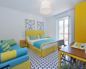 Yellow room - Maison Lauren