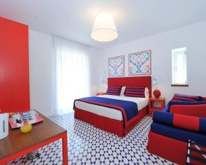 Red room - Maison Lauren
